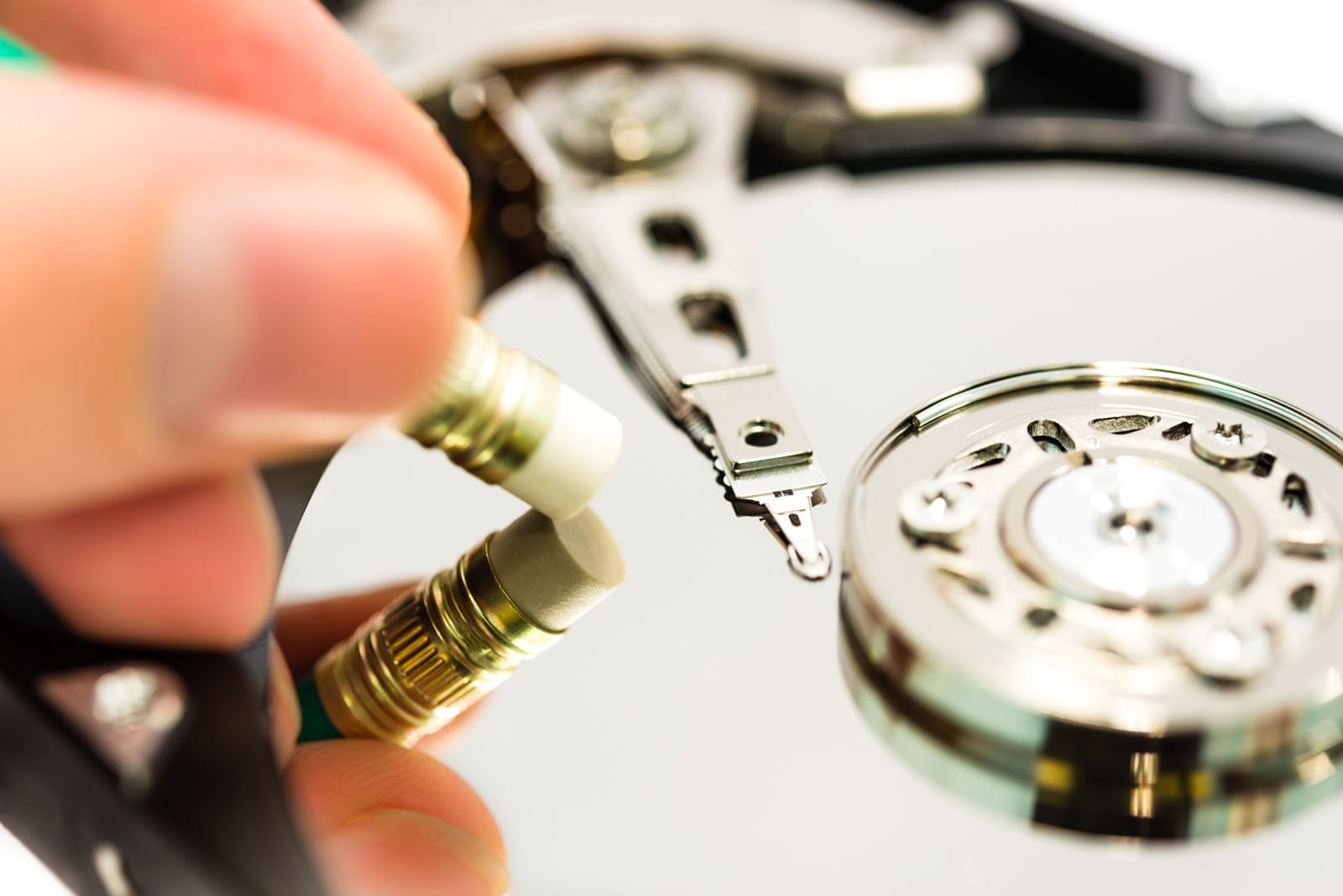 Hvordan sletter jeg min harddisk på en sikker måde? Gode råd til at slette dine data